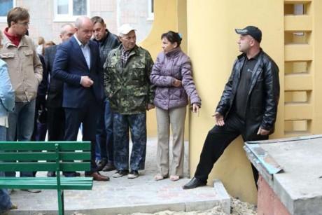 Зустріч міського голови Сергій Надала з жителями по вул.Морозенка 3.