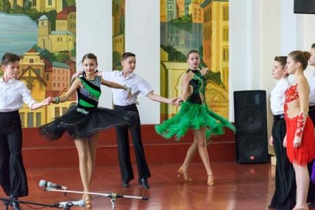 Учні Тернопільської школи №3 знову демонстрували свої яскраві танцювальні таланти (фото)