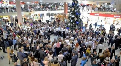 """У Тернополі передали різдвяний """"привіт"""" заробітчанам (ВІДЕО)"""