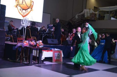 «Віденський бал-2018» у Тернополі благодійно відтанцювали під вальси у виконанні оркестру