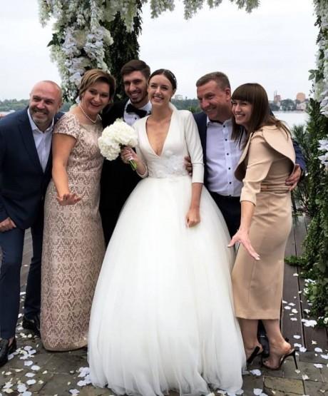 Нардеп Заставний святкує весілля старшого сина (ФОТО)