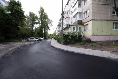 remont-dvoru-na-proizdu-na-vul_-tarnavskogo-24-2
